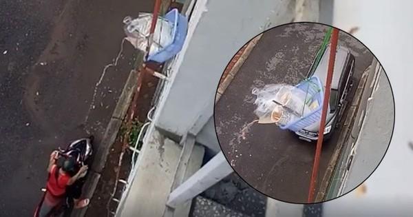 Nhân tố vàng trong làng nhận ship: Buộc giỏ thả xuống sân nhận trà sữa, các cô gái tiếc ngẩn ngơ vì kéo chưa lên đến nơi đã bị đổ hết