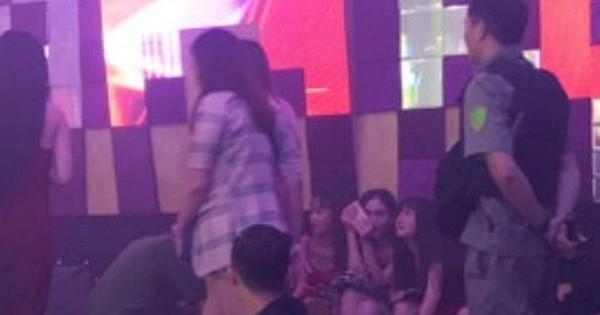 Hơn 150 khách và dân chơi ''chạy loạn'' khi cảnh sát đột kích quán bar