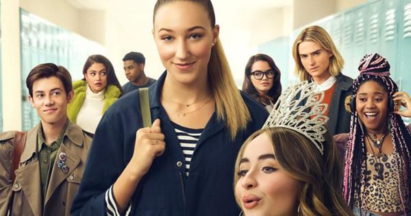 Review Tall Girl: Cứ tưởng ''nấm lùn'' mới đáng thương, ai ngờ cao kều cũng muôn vàn nỗi khổ!