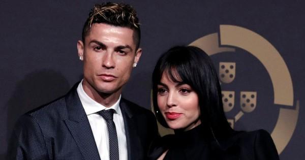 Ronaldo: ''Cả đời chỉ tin 4 người. Ghi bàn thắng đẹp không sướng bằng ở bên bạn gái''