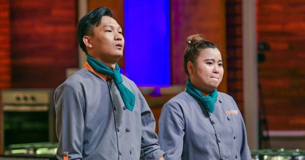 """Top Chef Vietnam: Thí sinh khẳng định mình bị chơi xấu khi quyển sổ công thức """"không cánh mà bay"""""""