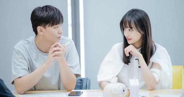 Bố Trịnh Sảng giận sôi máu trước cảnh con gái vừa ấm ức nhưng vừa phải dỗ ngon dỗ ngọt bạn trai CEO ''rởm''