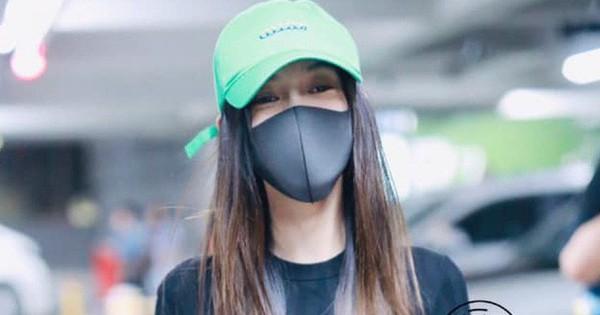 Khoe eo thon nhưng Angela Baby lại bị netizen soi chiếc mũ màu xanh, phải chăng ẩn ý tố cáo Huỳnh Hiểu Minh?