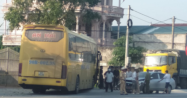 Nghệ An: Hàng chục hành khách kêu la khi xe gặp tai nạn liên hoàn