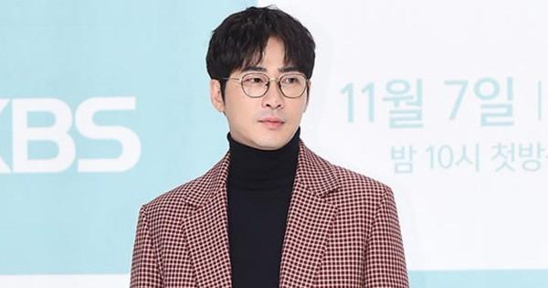 Tài tử ''Coffee House'' Kang Ji Hwan thừa nhận cáo buộc hiếp dâm tập thể, nhưng lời khẳng định sau đó lại gây phẫn nộ