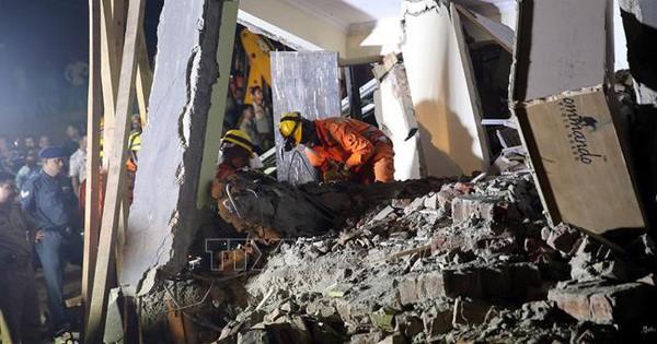 Sập công trình xây dựng, hàng chục người mắc kẹt dưới đống đổ nát