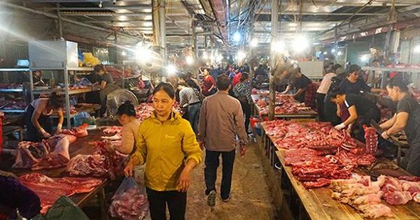 Giá thịt lợn tăng ''sốc'', dân buôn kêu ế thảm