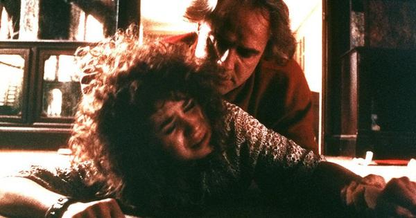 4 cảnh nóng Hollywood tổn hại tinh thần lẫn thể xác diễn viên: Ớn nhất là màn ''thực hành'' cùng thanh bơ