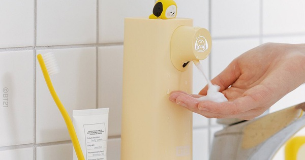 Máy tạo bọt rửa tay siêu xinh, còn có cảm ứng siêu xịn nhìn là muốn ''múc''