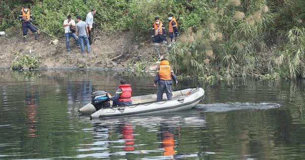Nóng: Lực lượng chức năng huy động xuồng hơi, thợ lặn mò sông Nhuệ tìm kiếm nữ sinh Học viện Ngân hàng mất tích
