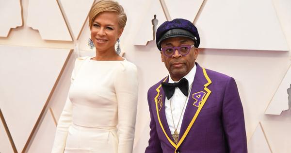 Đạo diễn Spike Lee mặc trang phục đặc biệt để tri ân huyền thoại Kobe Bryant tại lễ trao giải Oscar 2020