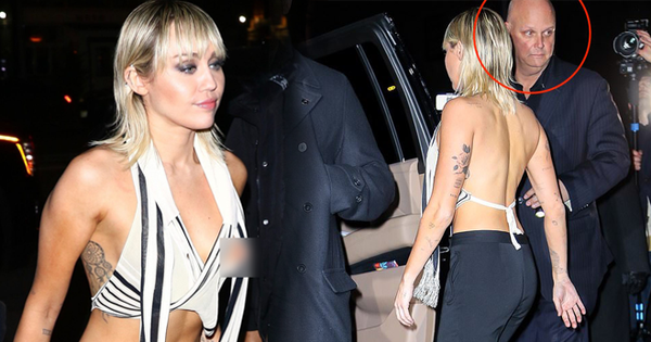 Màn hớ hênh gây sốc nhất đầu năm: Miley Cyrus hở đến mức ''đánh rơi'' cả phần nhạy cảm, biểu cảm của vệ sĩ gây chú ý