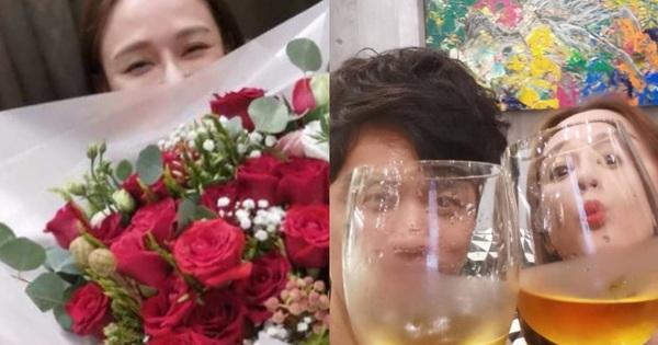 Trần Kiều Ân tuổi 41 đắm say trong tình yêu sau bao năm F.A: Được tình trẻ chiều hết nấc với hoa, quà và rượu