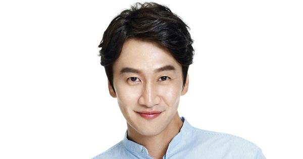 """Nóng: Lee Kwang Soo ngừng quay """"Running Man"""" để phẫu thuật vì gặp tai nạn xe hơi"""