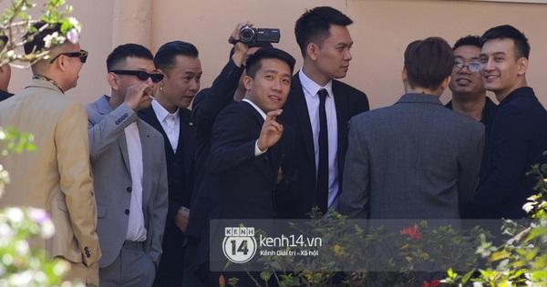 Binz, Soobin Hoàng Sơn và hội ''gentleman'' Vbiz xuất hiện cực điển trai trong đám cưới Tóc Tiên và Hoàng Touliver