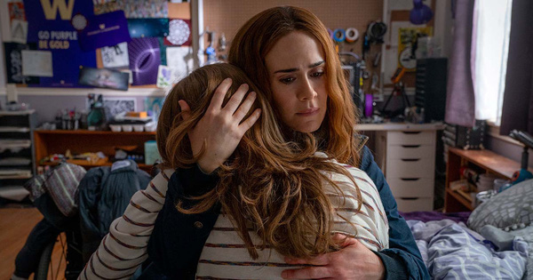 Thiếu nữ phát điên vì bị mẹ kiểm soát quá mức trong trailer của phim kinh dị ''RUN''