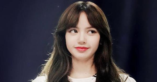 """Lisa vén tóc mái khi làm giám khảo: Combo """"da trắng - môi đỏ - tóc đen"""", ủa tưởng Bạch Tuyết?"""