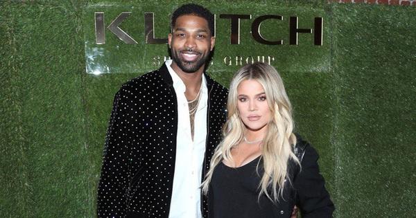 Khloe Kardashian tha thứ cho cầu thủ bóng rổ từng ''cắm sừng'' lúc cô mang thai: Chính thức về chung một nhà, thậm chí còn vui vẻ ăn uống cùng bà chị Kim