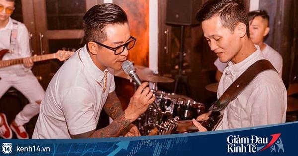 Tuấn Hưng tổ chức liveshow thu phí để ủng hộ quỹ chống dịch, cùng Khắc Việt ''chế'' hit ''Tìm Lại Bầu Trời'' phản ánh thực trạng mùa dịch bùng phát