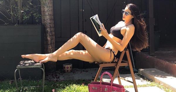 Chiêu giải sầu tại gia của sao Vbiz: Phạm Hương mặc bikini vẫn khoe túi 400 triệu, cả rừng sao đua nhau lấy gối làm váy sexy hết sảy
