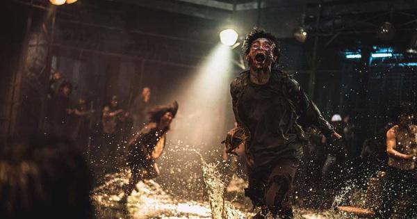 ''Train to Busan 2'' tung trailer cực bốc: Kẻ ác huấn luyện zombie làm trò tiêu khiển, Kang Dong Won vật lộn tìm đường sống