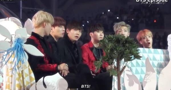 Quá khứ là nhóm nhạc vô danh, BTS từng nghĩ… mình bị lừa khi nhận giải tân binh và Daesang đầu tiên khiến fan nhói lòng