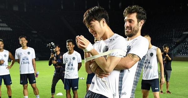 Bạn cũ của Xuân Trường khiến người hâm mộ cảm thấy sốc khi ''thay dạ đổi lòng'', Buriram United khốn khổ vì làn sóng phẫn nộ