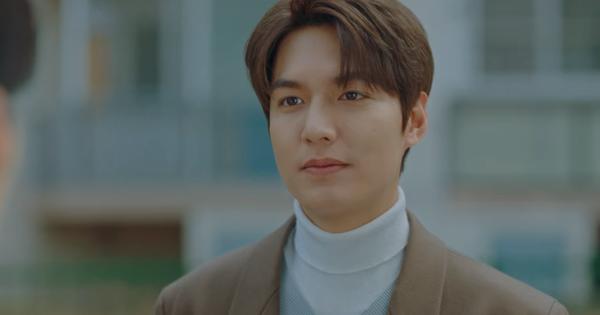 ''Bệ hạ'' Lee Gon vừa tặng siêu xe cho Eun Seob liền được ôm cứng ngắc ở tập 13 Quân Vương Bất Diệt, hoàng hậu đâu rồi ta?