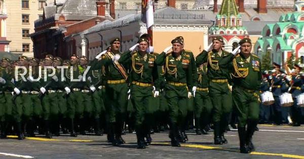 Mãn nhãn với màn duyệt binh hoành tráng nước Nga mừng 75 năm chiến thắng Thế chiến II: 14.000 binh sĩ, 234 khí tài cơ giới và 75 máy bay