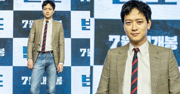 Tranh cãi họp báo ''Train to Busan 2'': ''Thánh sống'' Kang Dong Won bị mỉa mai xuống sắc, ai dè dập lại luôn sau khi livestream