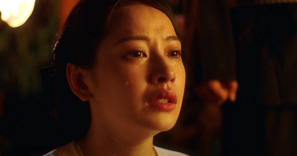Chi Pu hóa thân thành nghệ sĩ cải lương, ''bất lực'' nhìn Ngọc Trinh và Quang Sự chết cháy giữa dòng sông trong MV ''Cung Đàn Vỡ Đôi''