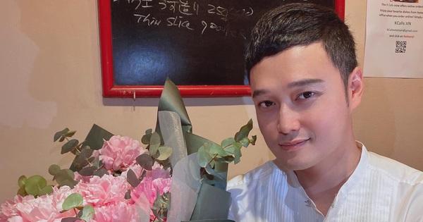 Bị hỏi chuyện lấy vợ sinh con, Quang Vinh gay gắt ra mặt: ''Bao nhiêu người khen em vô duyên rồi em gì ơi?''