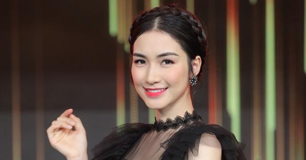 Hòa Minzy lầy lội năn nỉ vợ chồng Trường Giang - Nhã Phương share MV mới liền tay