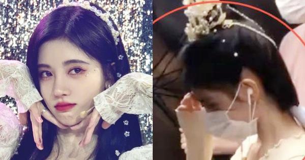 Thêm liên hoàn phốt của Cúc Tịnh Y: Tỏ thái độ ngôi sao, vô duyên vô cớ bắt netizen xoá ảnh vì tưởng chụp trộm