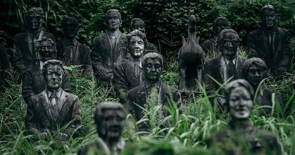 Vị doanh nhân chi gần 2.000 tỷ đồng mở công viên ngàn tượng nhưng chẳng ai dám bén mảng vì nỗi ám ảnh những bức tượng ''biết đi''