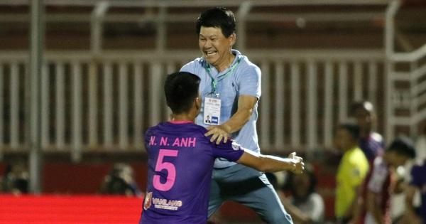 Chủ tịch kiêm HLV đội bóng đang bất bại V.League 2020: ''Tôi dặn học trò đừng nghĩ thắng Hà Nội FC đã là hay''