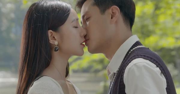 Đừng Bắt Em Phải Quên tập 23: Bị nghi có tiểu tam, ''anh giáo'' Thanh Sơn dỗ Quỳnh Kool bằng nụ hôn siêu ngọt