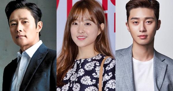 ''Anh chủ'' Park Seo Joon ''bị dụ'' sánh đôi Park Bo Young ở phim điện ảnh viễn tưởng mới