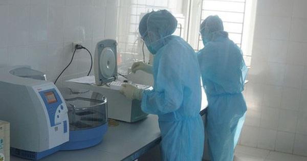 71 cán bộ y tế Thanh Hóa đi Đà Nẵng học tập được lấy mẫu xét nghiệm Covid-19