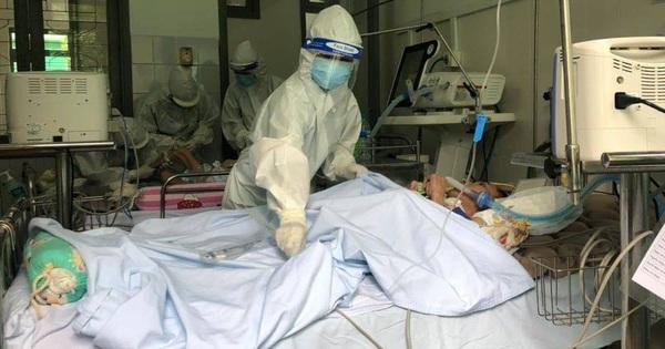 Cấp tốc vận chuyển thiết bị vào Huế cứu bệnh nhân mắc COVID-19 nguy kịch