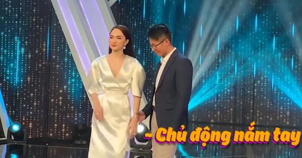 """Clip: Matt Liu nắm tay Hương Giang không rời, kiên nhẫn chờ ở hậu trường """"Người ấy là ai"""""""
