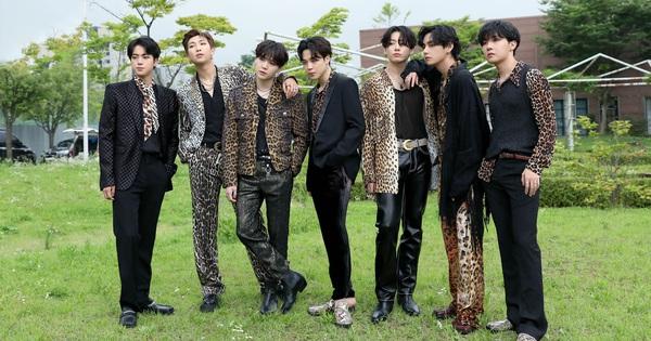 BTS không phá nổi kỷ lục bán đĩa tuần đầu của chính mình nhưng Knet vẫn khen quá đỉnh, sốc trước giá tiền và số phiên bản của album mới