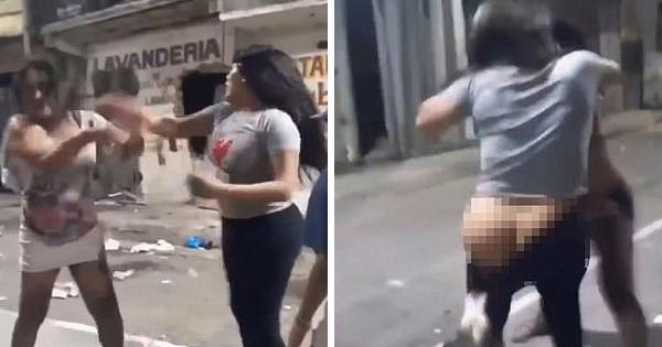 Trông thấy 2 cô gái đánh lộn, đội chó hoang tranh thủ lao vào 'ăn hôi' cắn tụt quần nạn nhân