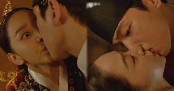 Được Kim Jung Hyun đè ngửa hôn 'truyền trà', Shin Hye Sun lại vội móc họng đòi nôn ở Mr. Queen tập 4