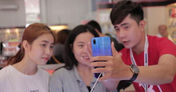 GenZ làm gì trên chiếc smartphone 4G của mình: Kết nối không giới hạn, giải trí hết ga và còn nhiều hơn thế nữa