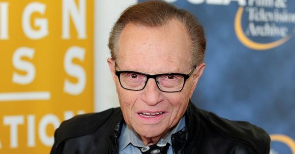 Huyền thoại dẫn chương trình của CNN Larry King qua đời ở tuổi 87