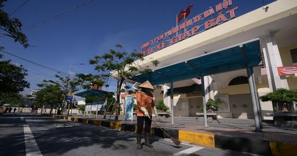 Hà Nội: Bến xe khách tất bật dọn dẹp, lên phương án chuẩn bị hoạt động trở lại