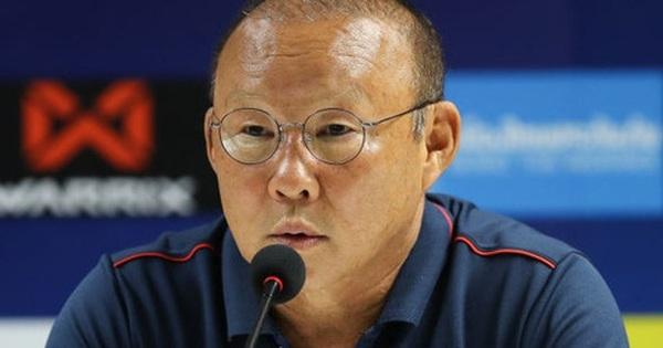 HLV Park Hang-seo: 'Có lẽ các cầu thủ của tôi bất mãn với trọng tài'