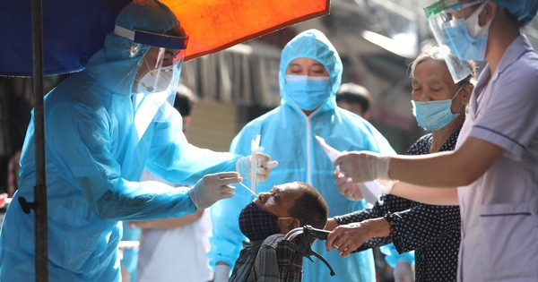 45 học sinh cấp 2 ở Phú Thọ nghi dương tính SARS-CoV-2; Nhiều tỉnh, thành phố công bố cấp độ thích ứng an toàn dịch