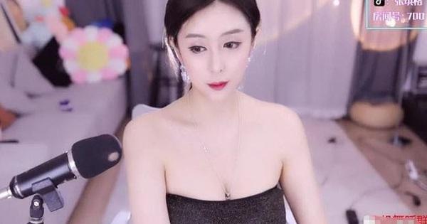Vô tình để lộ cảnh thiếu vải trên sóng trực tiếp, nữ streamer lại khiến fan 'sôi sục' vì body quá mức nóng bỏng!